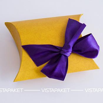 Подарочная картонная коробка, лента и бирка